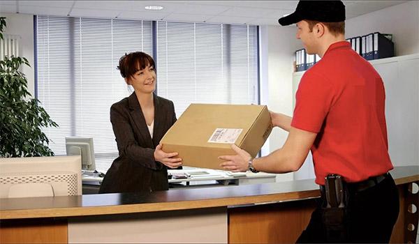 spedire pacco online con corriere espresso ritiro e consegna a domicilio