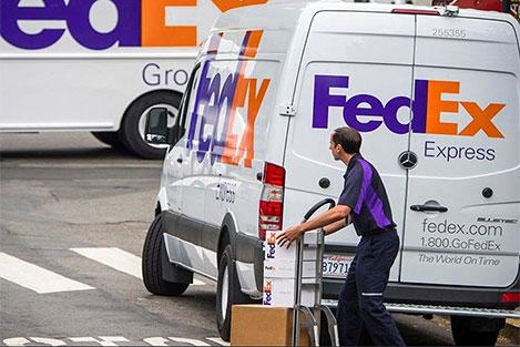 spedire pacco in europa con corriere espresso fedex ritiro e consegna a domicilio